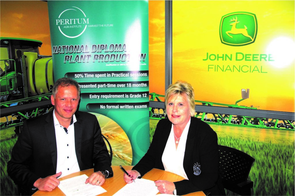 Signing of the John Deere SSA agreement